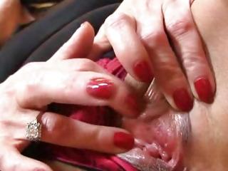 Hot stockings legs cougar Marta enjoys a facesitting