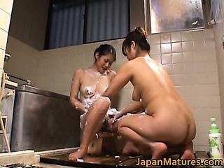 Japanese mature babe has sex