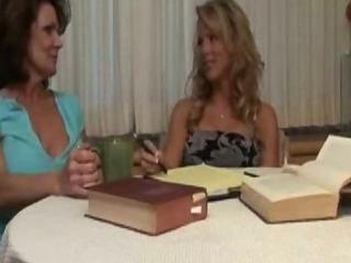 Girl seduced by mature lesbian