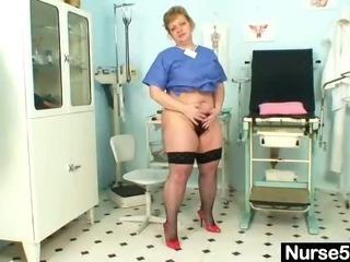 Chubby mom Vilma dirty pussy spreading